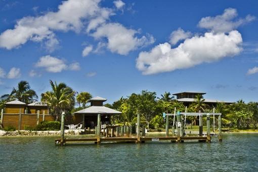 Boat dock en la propriedad