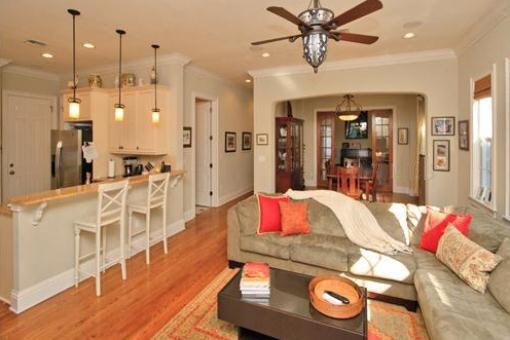 Sala de estar y cocina abierta