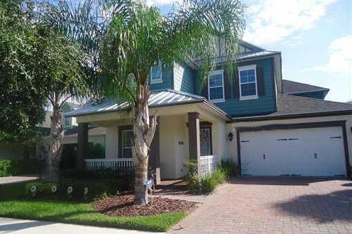 Hermosa casa con jardín y piscina en Orlando