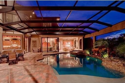Realice su sueño de una propiedad de 2 plantas en Fort Myers