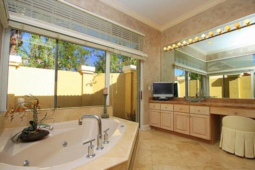 Baño lujoso con spa