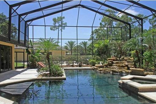 Piscina y juegos acuáticos en Fort Myers